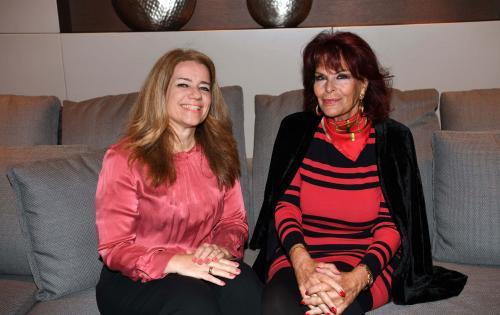 Martina Mack und Elizabeth Teissier in Andermatt